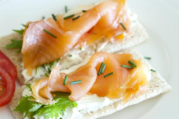 salmon on crispbread